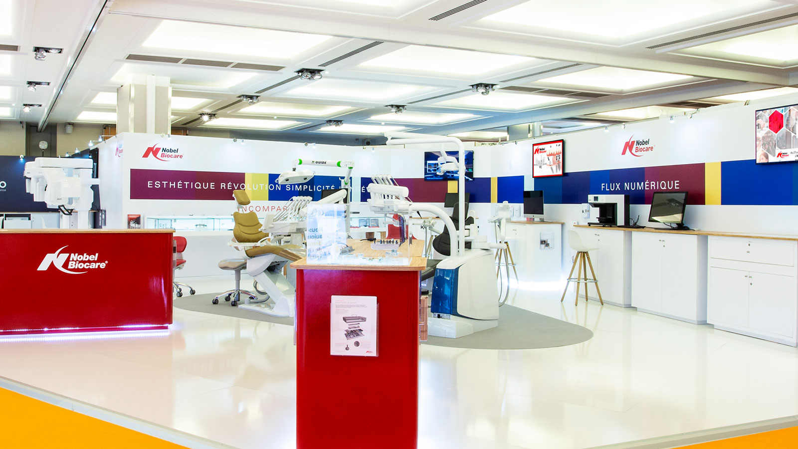 Stand-design-Nobel-Biocare-Dental-2