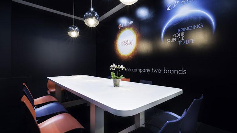 Private-meeting-room-black