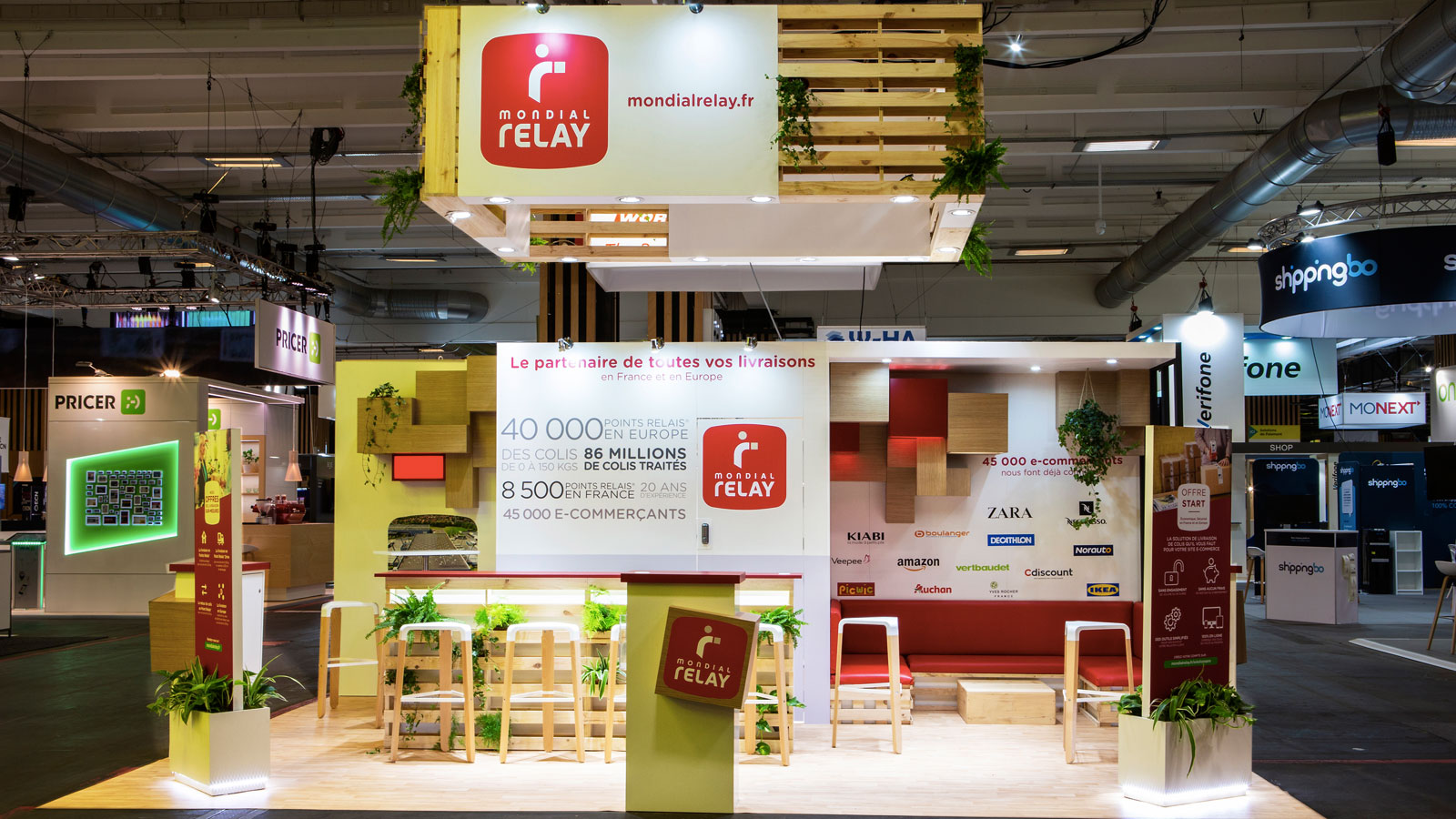 Stand-Design-MondialRelay-PRW-Wood-Palet